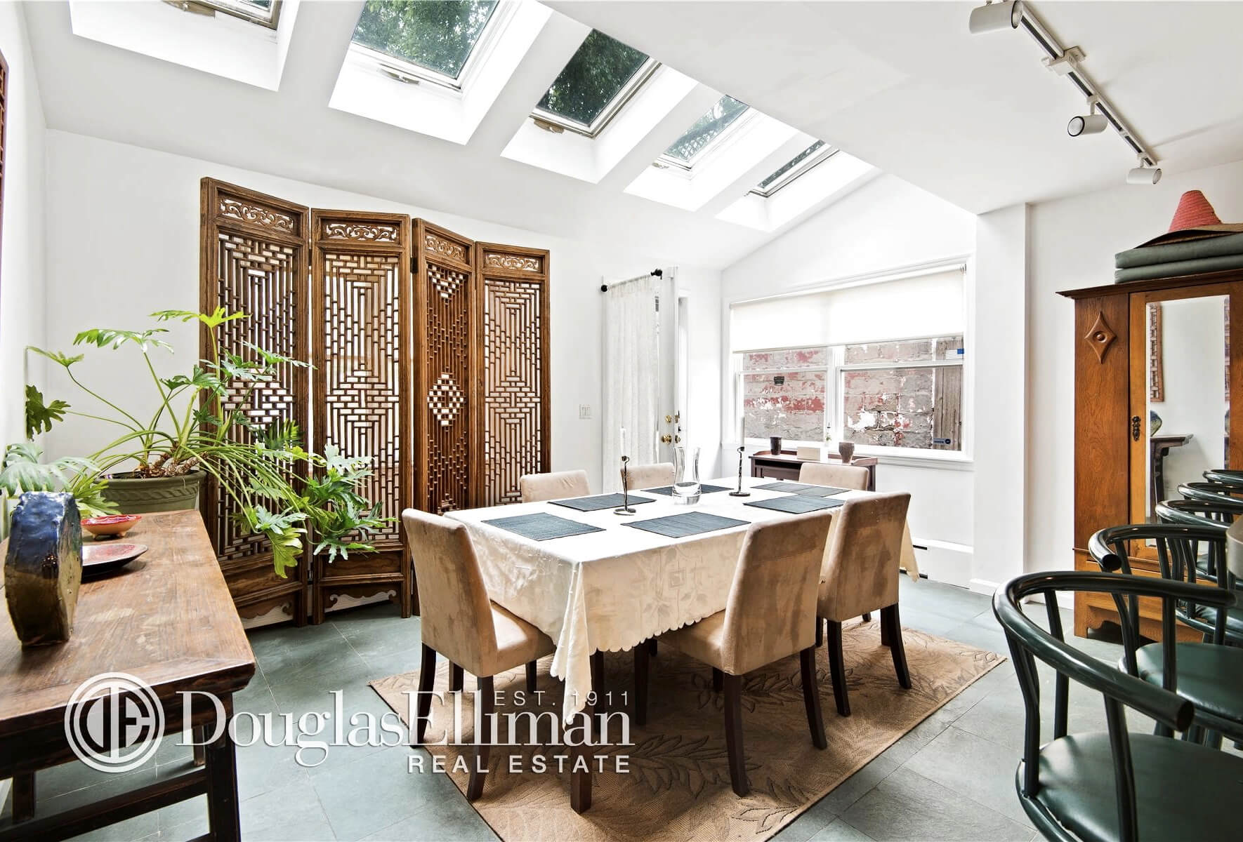 brooklyn homes for sale at 454 Prospect Avenue dining room 2